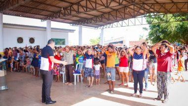 Grupo leva auxílio físico e espiritual aos moradores de Porto Velho