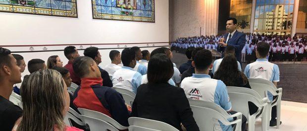 Ex-internos da Fundação Casa participam de reunião em São Paulo