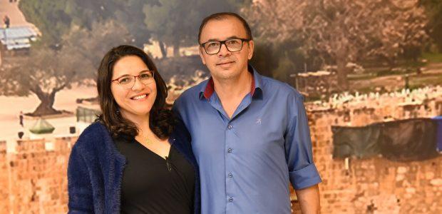 Presbítero Joelson Gonçalves e sua esposa, Debora, da Assembleia de Deus Nova Geração