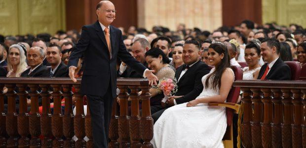 Celebração dos Casamentos: o Bispo Edir Macedo ministrou essa reunião especial em SP