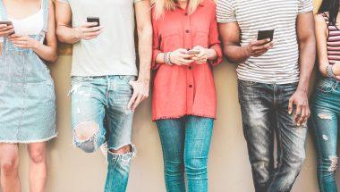 Uso excessivo das redes sociais tem tornado jovens mais solitários