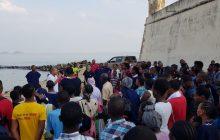 Grande batismo nas águas em São Tomé e Príncipe