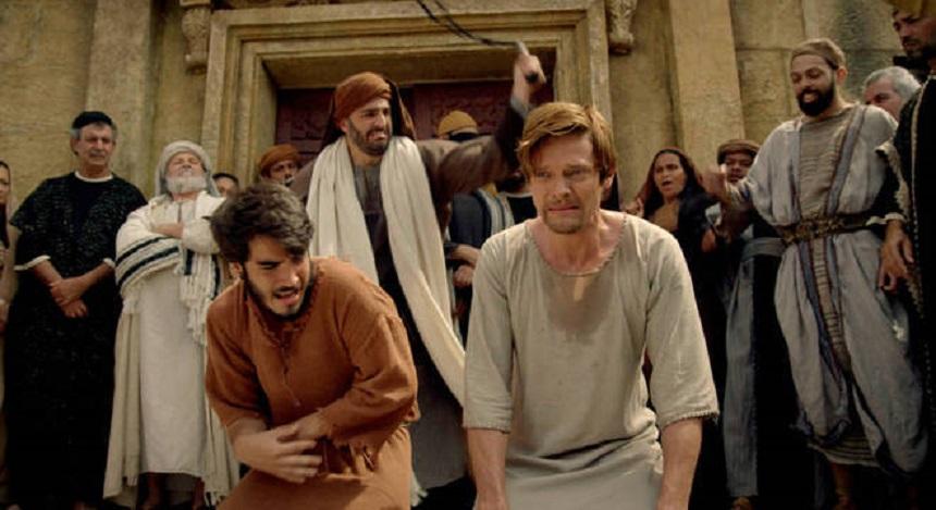 Natanael e Tiago Menor são chicoteados pelos sacerdotes