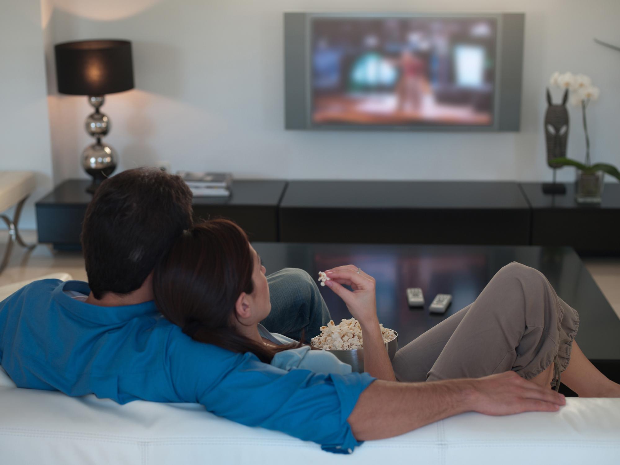 Por que filmes românticos podem ser um veneno para o seu relacionamento