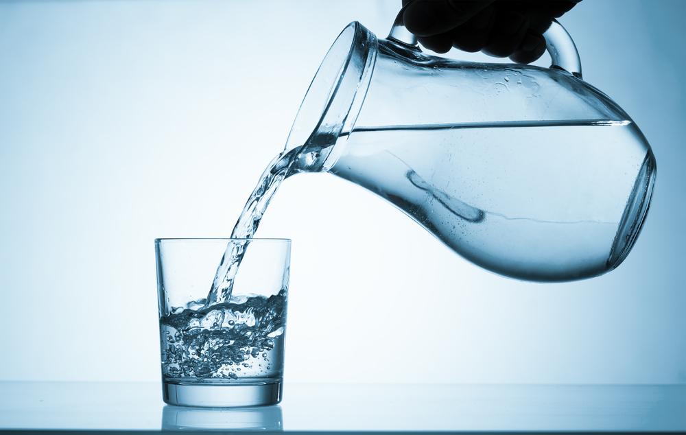 """Falso: Igreja Universal vende copo d'água """"diretamente do Nilo"""""""