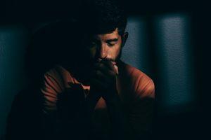 Como uma oração inverte uma situação?
