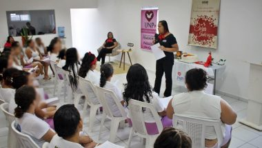 Presidiárias participam do curso de Autoconhecimento do Projeto Raabe