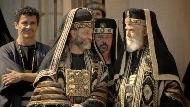 Caifás planeja se disfarçar no meio da multidão para armar cilada contra o Messias