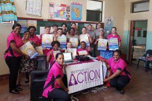 Voluntárias realizam palestras de conscientização sobre o câncer infantil