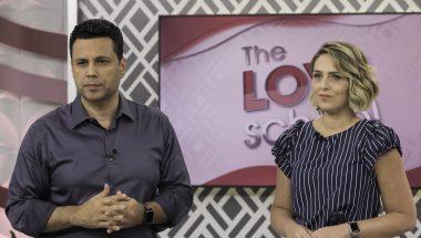 The Love School: Por que as pessoas aceitam o inaceitável?