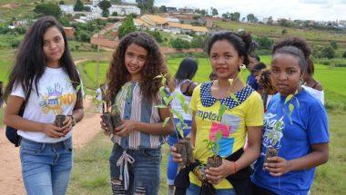 Voluntários da FJU plantam mais de 5 mil mudas de árvores em Madagascar