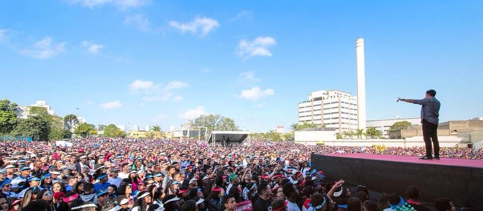 """Evento """"Saiba Dizer Não"""" reúne mais de 50 mil jovens em São Paulo"""