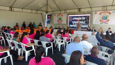 Voluntários oferecem quatro dias de cursos, palestras e serviços a centenas de detentos em Salvador