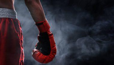 Ex-viciados em drogas lutam no maior evento de boxe do país