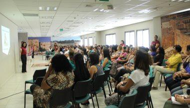 Palestra ensina mulheres a conciliar maternidade e carreira profissional