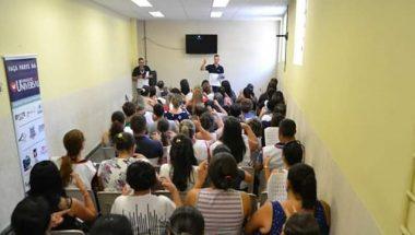 Formação dos alunos do primeiro Curso de Libras do Vale do Paraíba