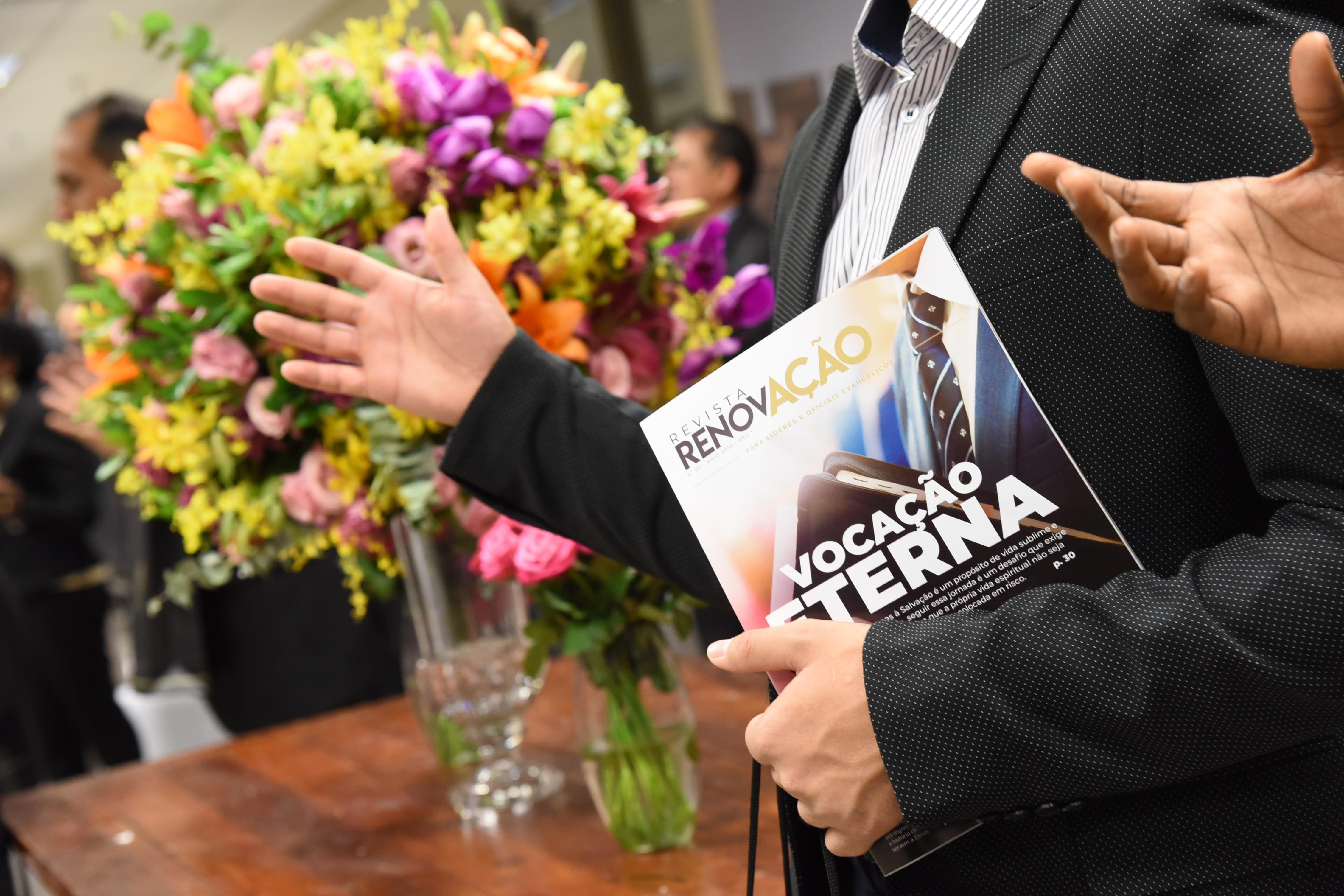 """Lançamento oficial revista """"Renovação"""""""