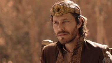 Jezabel modifica a sala do trono e Acabe fica furioso