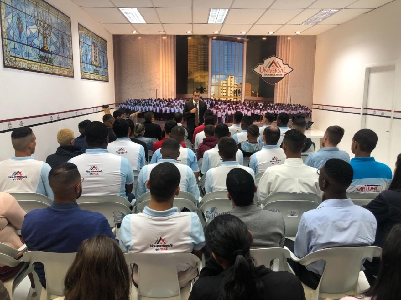 Ensinar a fé transformadora aos jovens que cumprem medidas socioeducativas