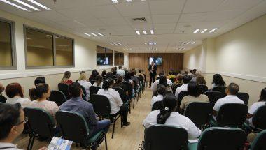 """Palestra """"Cuidando de quem cuida"""" reúne profissionais da saúde em SP"""