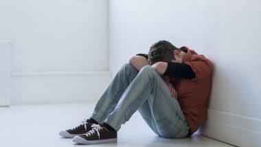 Pesquisa aponta aumento de suicídio entre jovens norte-americanos