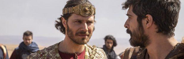 Acabe sai para cavalgar e encontra o profeta Elias