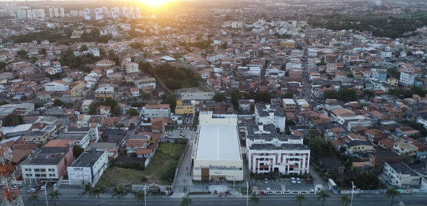 Vista aérea da nova Catedral de Itapuã, em Salvador (Bahia)