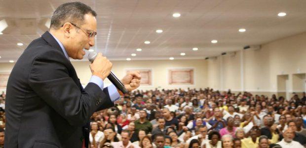 Bispo Marcus Silva, responsável pelo trabalho da Universal na Bahia