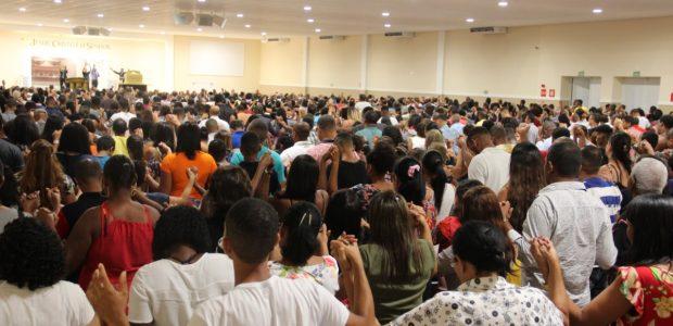 Também foram feitas orações pelos casais, família e pela saúde de todos