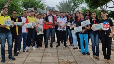 Grupo visita jovens da comunidade de Juazeiro, no estado do Ceará