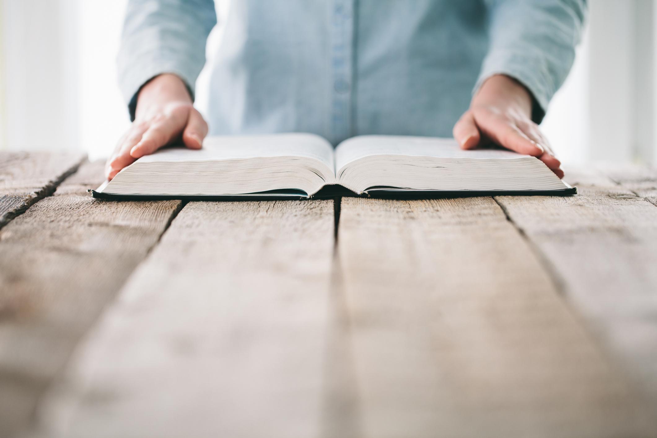 Leia a Bíblia em 1 ano – 128º dia
