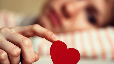 O que causa a infelicidade amorosa?