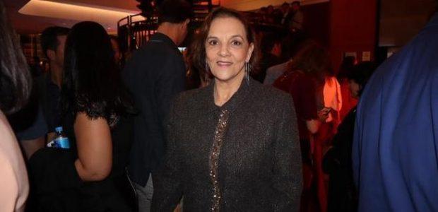 A atriz Denise Del Vecchio compareceu ao Teatro Bradesco, em São Paulo