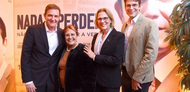 Prefeito do Rio de Janeiro, Marcelo Crivella, e família, acompanhados de Edna Macedo