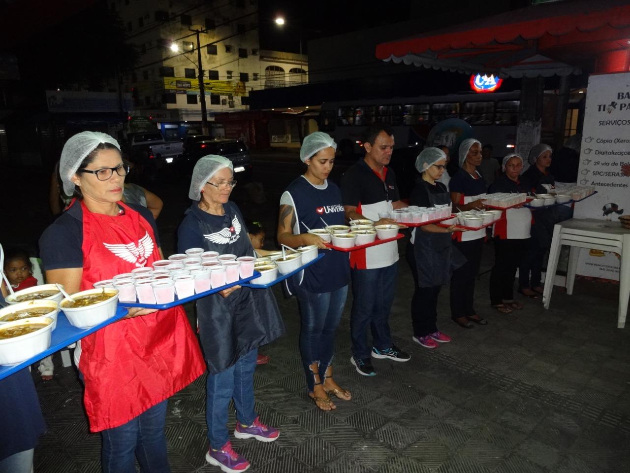 Acostumados a receber apenas indiferença, moradores de rua de Natal ganham cuidado e amparo social