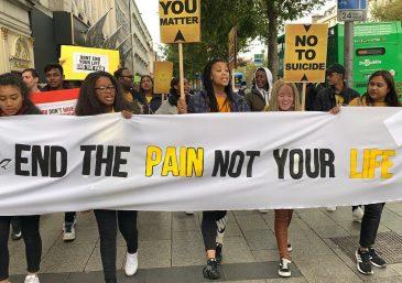 FJU da Irlanda faz passeata contra o suicídio