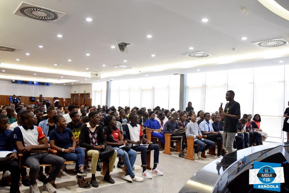 FJU Angola realiza workshop para colaboradores de mídia