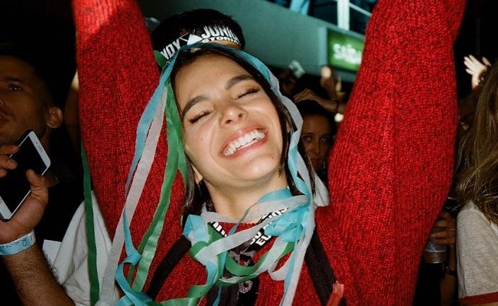 Sorte no amor: Bruna Marquezine faz simpatia pela vida amorosa