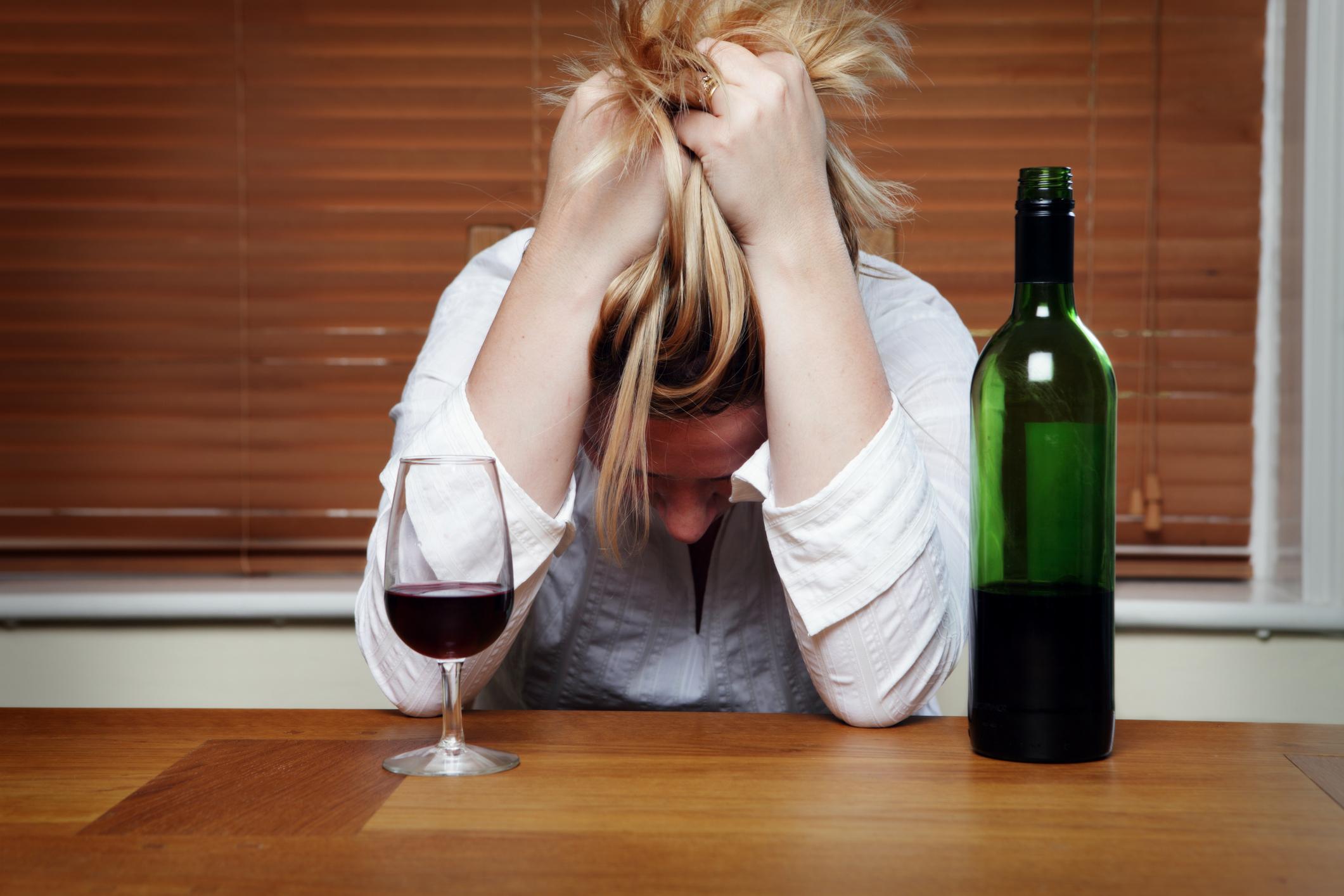 Alcoolismo tem cura: após 20 anos, comerciante conta como se livrou do vício
