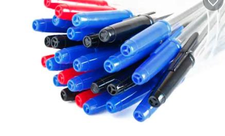 """Falso: Universal vende """"canetas ungidas"""" para candidatos do Enem e de concursos públicos"""