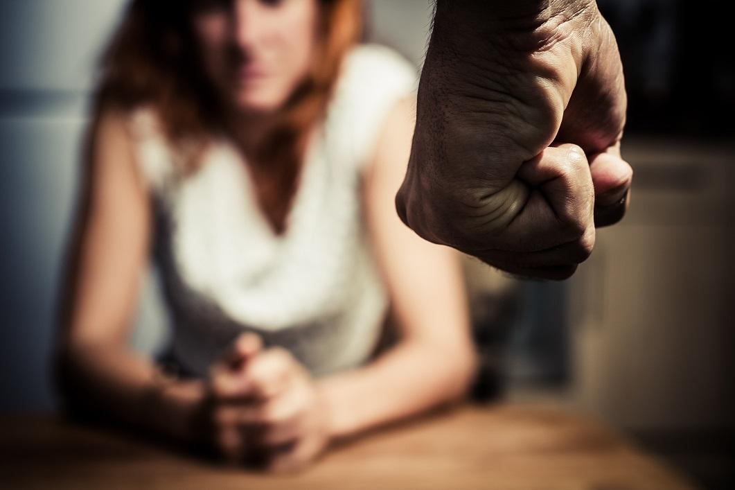Conheça os sinais de que você pode estar se relacionando com um futuro agressor