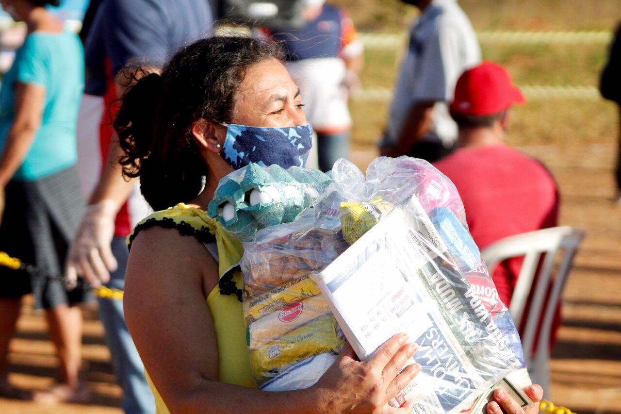 18 toneladas de alimentos foram entregues às famílias carentes do estado de Goiás