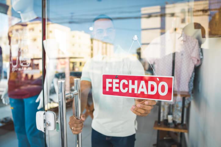 De cada 10 empresas fechadas no País, 4 encerraram as atividades por causa da pandemia