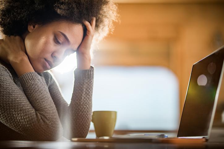 Depressão e ansiedade aumentam durante a quarentena da COVID-19