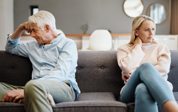 O que torna a comunicação cada vez mais difícil entre os casais