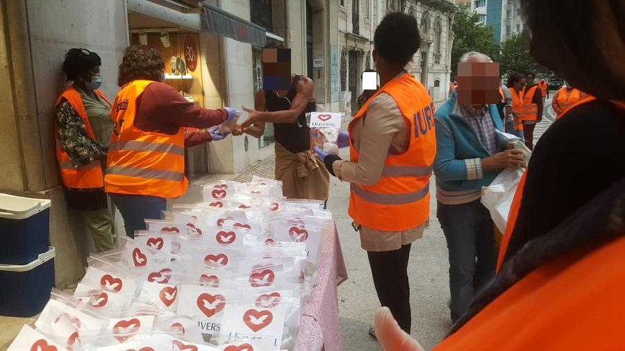 Mais de 300 pessoas sem abrigo recebem apoio em regiões de Portugal