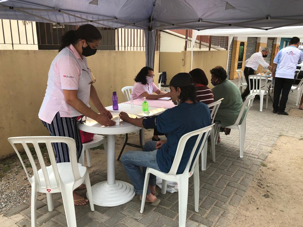 """""""Socioeducativo na Comunidade"""" levou ajuda a mais de 800 pessoas em Curitiba (PR)"""