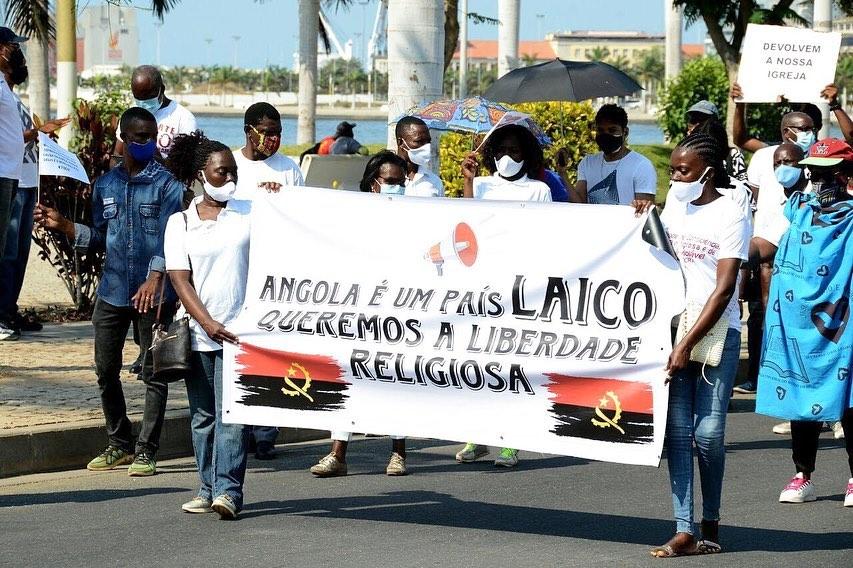 Manifestação pacífica pelo fim da perseguição à Universal em Angola