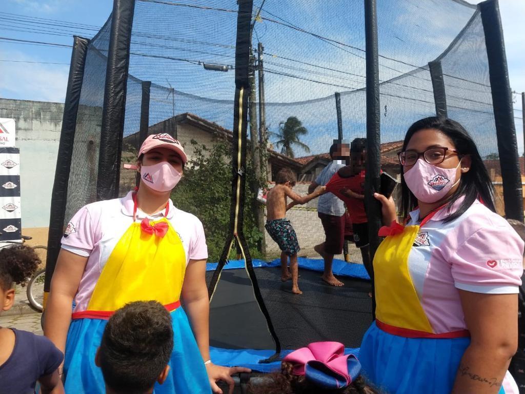 Universal atende comunidade carente em Praia Grande, litoral paulista