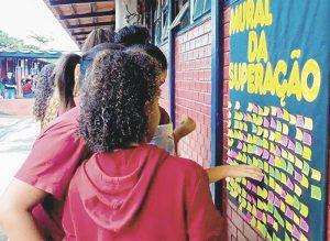 Criminalidade aumenta no Brasil e principais vítimas são os jovens